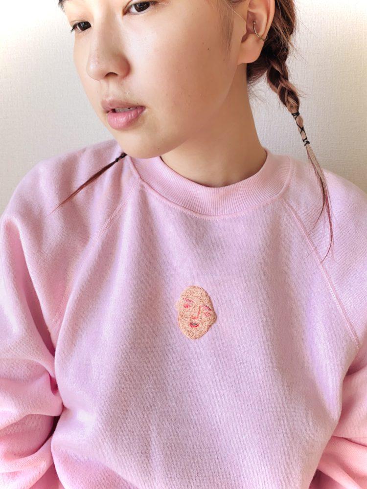 刺繍 ピンクスウェット